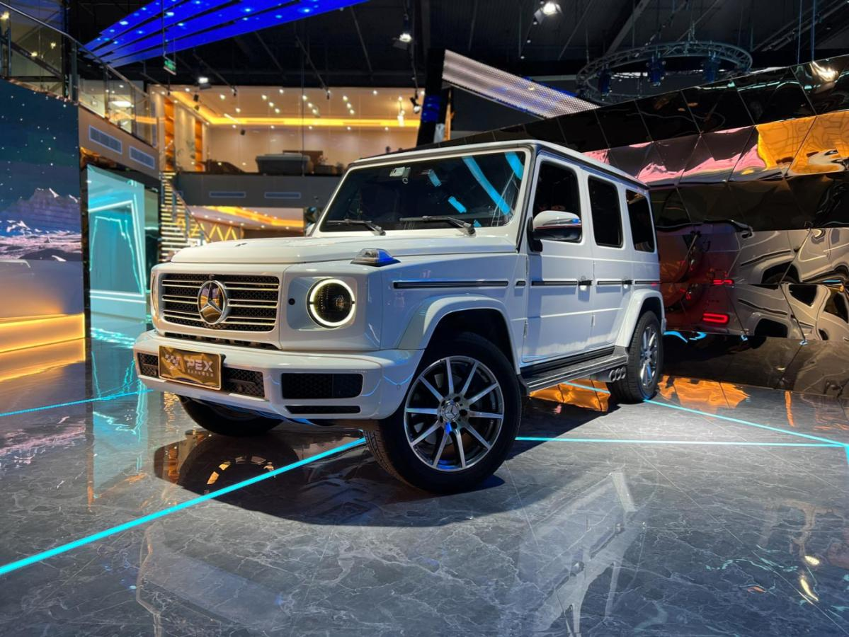 奔驰 奔驰G级 白色/红色 2020款 G 350